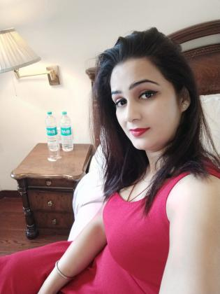 Independent Escorts service Near By Noida Electronic city [9958012663] Mistress Call Girls service Near By Noida Electronic City